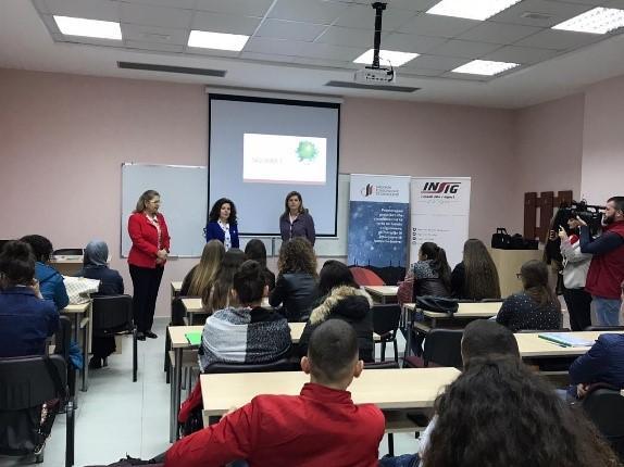 Shoqata e Siguruesve të Shqipërisë, në bashkëbisedim me studentët e universiteteve.